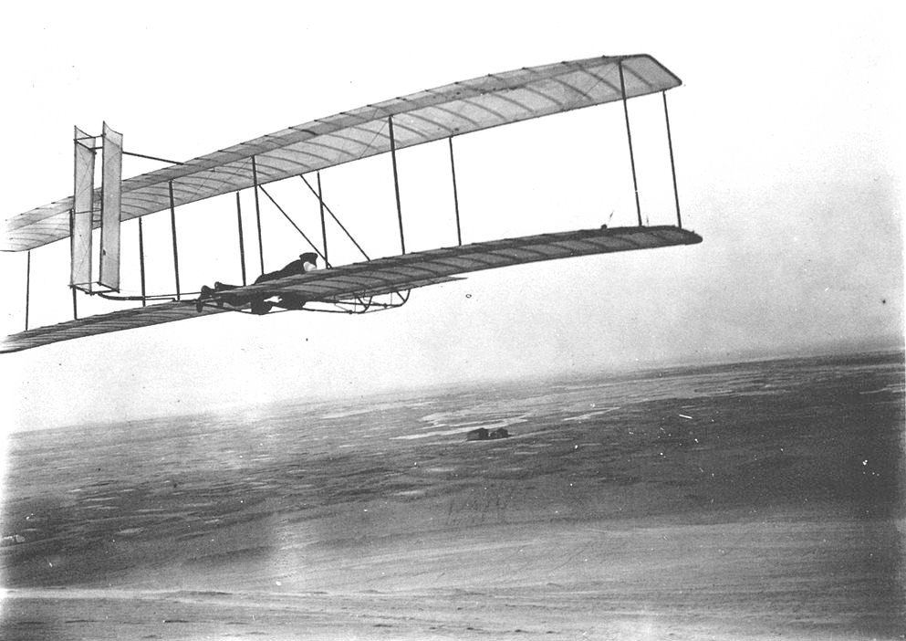 a history of the first successful airplane flight by the wright brothers Orville's brother wilbur piloting the record flight lasting 59 seconds over a  distance of  at about 10:30 that morning, orville wright lay down on the plane's  wing.